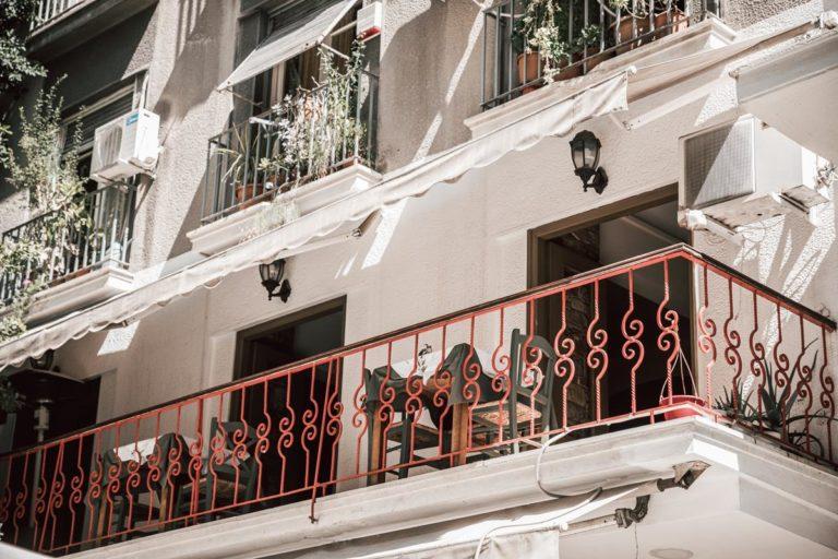 Odpowiednio wykonane osłony balkonowe