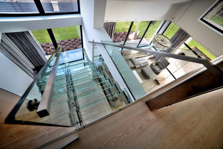 Dlaczego warto wybrać balustrady ze stali nierdzewnej?